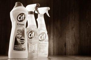 Rengøringsmidler er ofte farligt gods, der kan sendes s0m begrænset mængde (LQ)